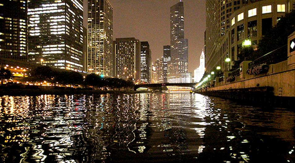 Thompson Chicago Kayak Tour Nighttime