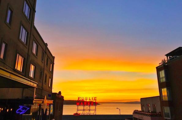 Pike Place Market courtesy @kurolisa